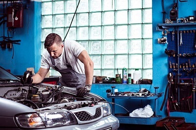 Car mechanic - learn trade in 6 months or less