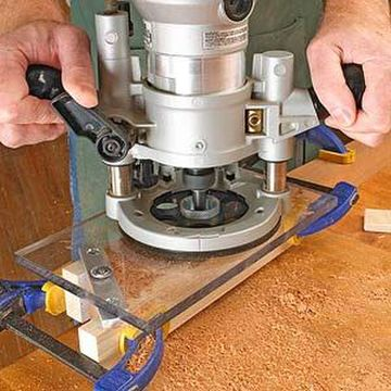 Plunge router